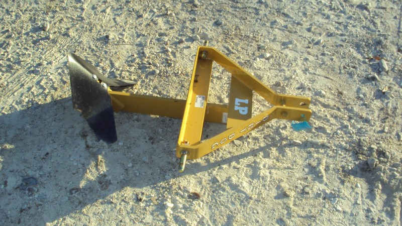 Dirt Dog LP layoff plow / middle buster Attachment For Sale