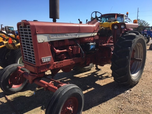 1968 International 856 Tractor For Sale