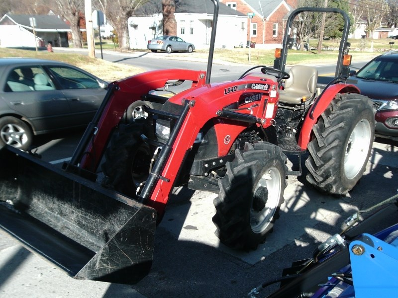 2012 Case IH FARMALL 65 W/LDR Tractor For Sale