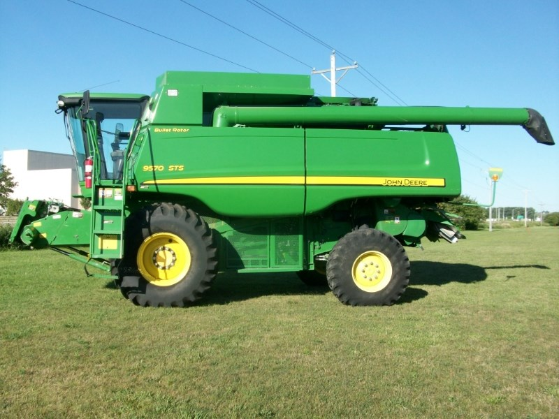 2008 John Deere 9570 Combine For Sale