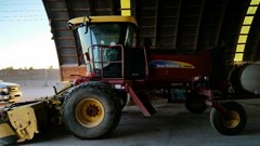 Windrower-Self Propelled For Sale:  2012 New Holland H8060