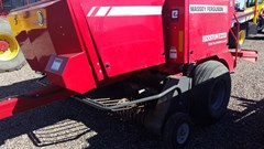 Baler-Square For Sale:  Massey Ferguson 1843