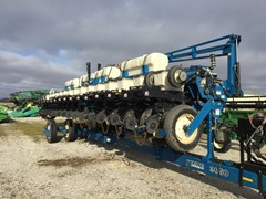 Planter For Sale 2006 Kinze 3650