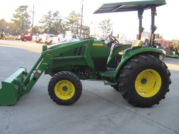 2015 John Deere 4044M Tractor For Sale