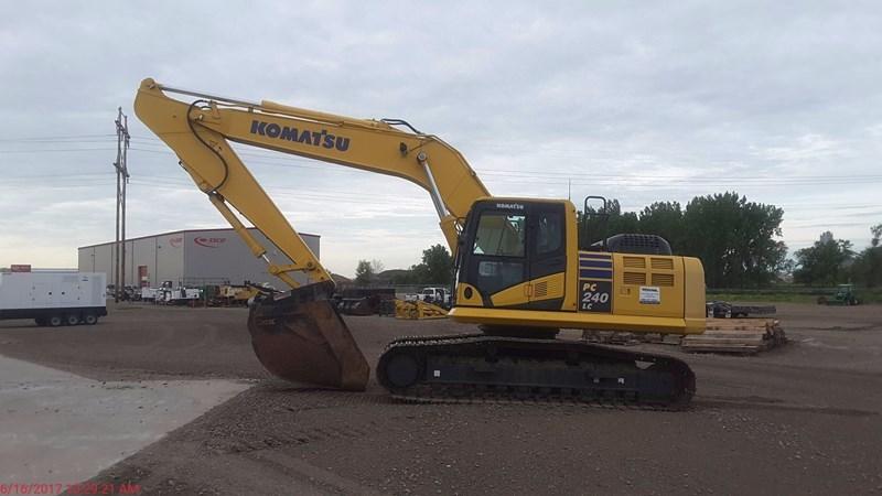 2011 Komatsu PC240LC-10 Excavator For Sale