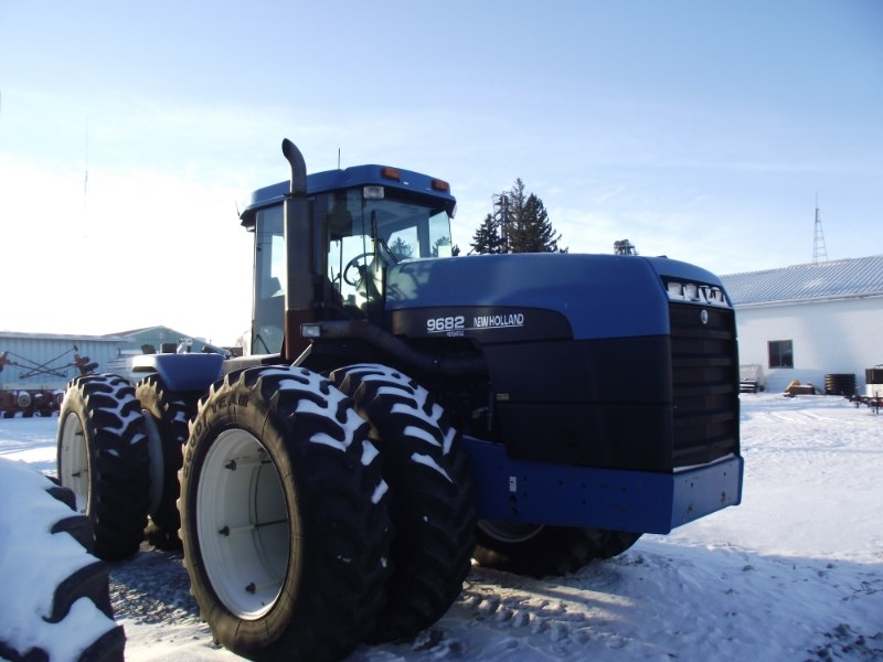 1996 New Holland 9682 Tractor For Sale