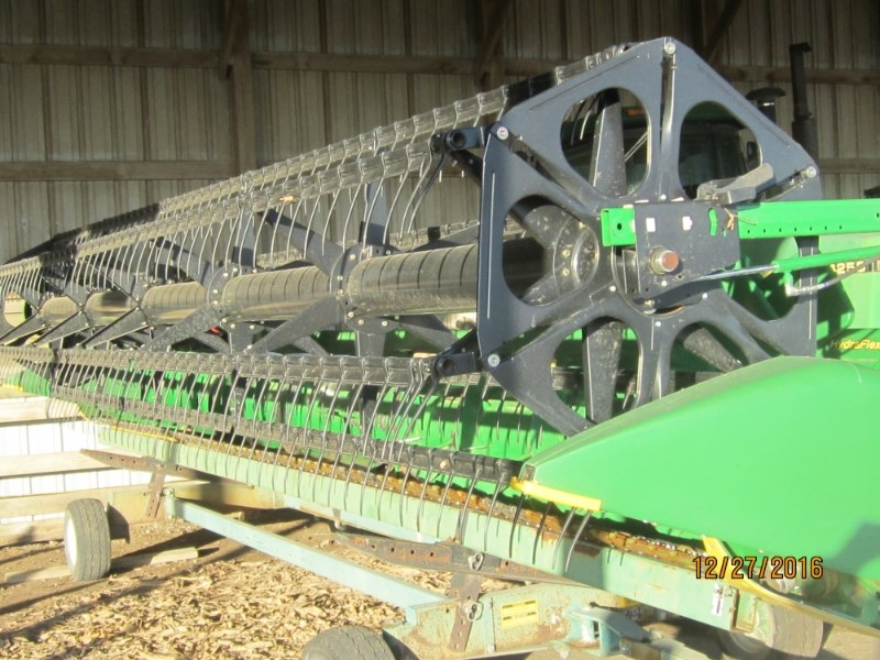 2015 John Deere 625F Header-Auger/Flex For Sale