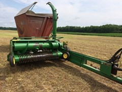 Forage Harvester-Pull Type For Sale 2002 John Deere 3975