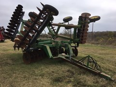 Disk Harrow For Sale:  John Deere 650