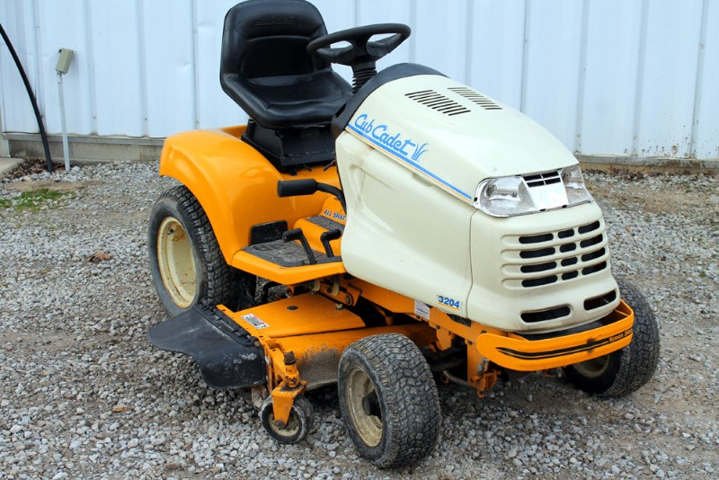 2002 Cub Cadet 3204 Riding Mower For Sale