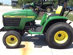 Tractor For Sale 2001 John Deere 4200 , 21 HP