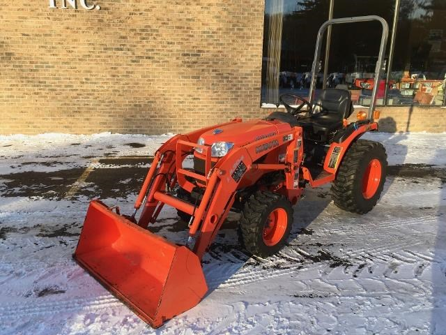 2013 Kubota B2320HSD Tractor For Sale