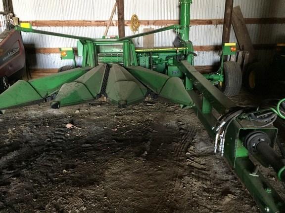 2010 John Deere 3975 Forage Harvester-Pull Type For Sale
