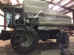 Combine For Sale 1998 Gleaner R72 , 300 HP