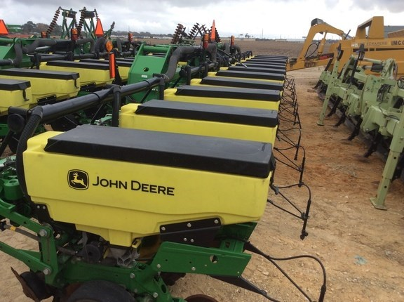 2016 John Deere 1725 Planter For Sale