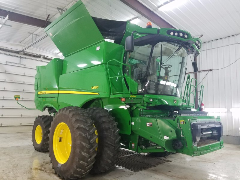 2016 John Deere S660 Combine For Sale