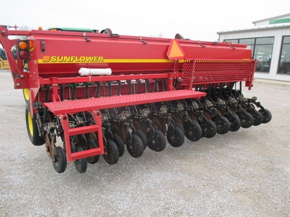 2002 Sunflower 9412 Grain Drill For Sale