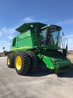 Combine For Sale:  2002 John Deere 9650 STS