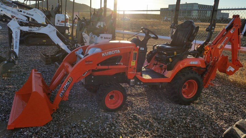 Kubota BX25D Loader Backhoe