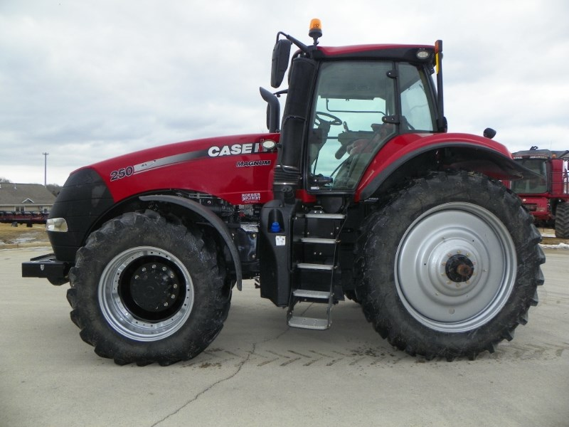 2015 Case IH 250 Tractor For Sale
