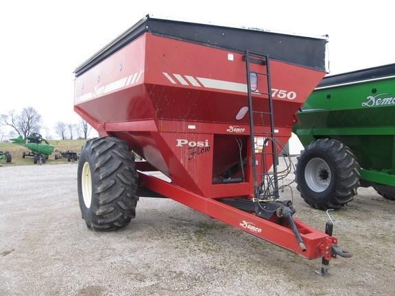 2004 Demco 750 Grain Cart For Sale