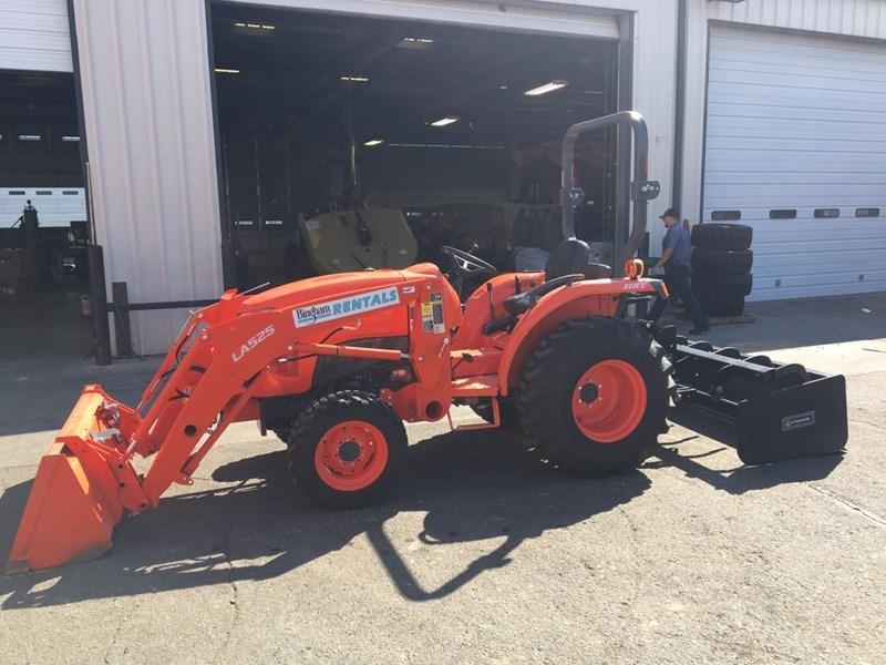 Kubota L3901HST Tractor