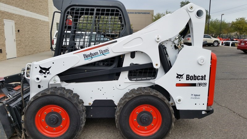 Bobcat S740 T4 Skid Steer