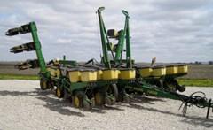 Planter For Sale 1990 John Deere 7200
