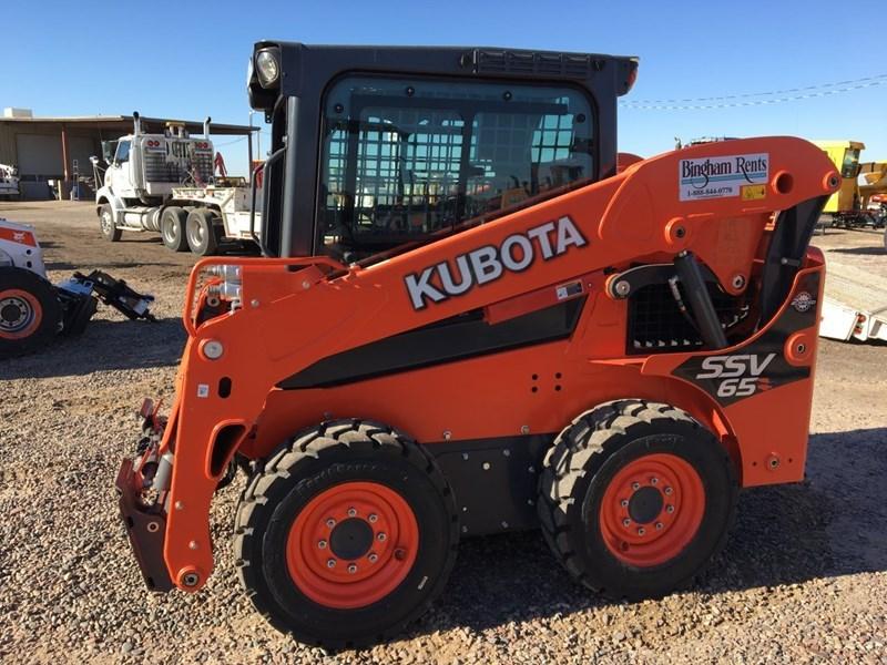 Kubota SSV65HC Skid Steer