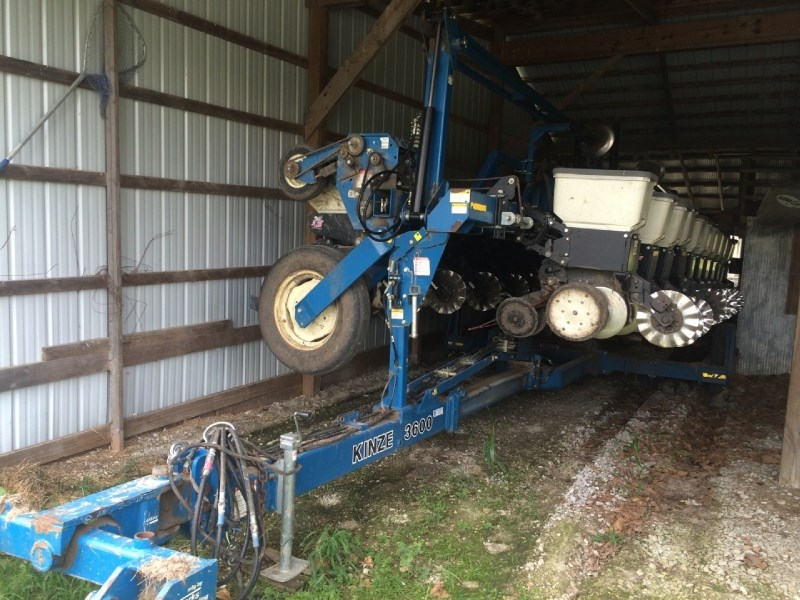 2002 Kinze 3600 12/23  Planter For Sale