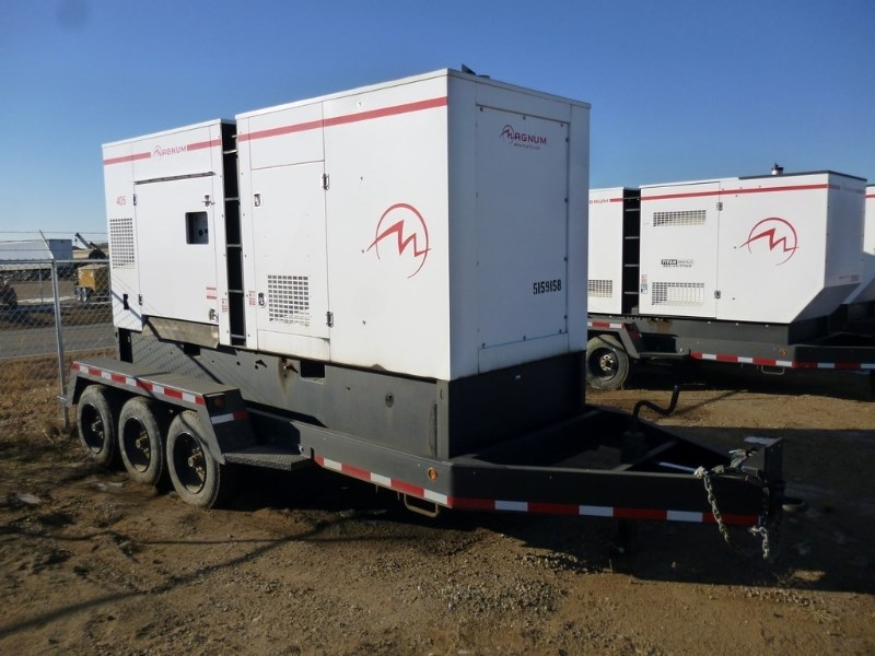 2013 Magnum MMG405, 3190 Hr,  358 KW Rating, 489 HP Generator Trailer a la venta