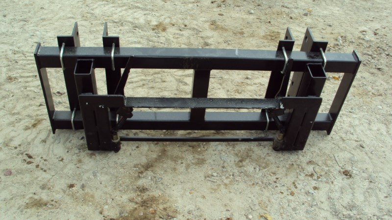 Lucas Universal Pin-on front end loader to skid steer ad Loader Coupler For Sale
