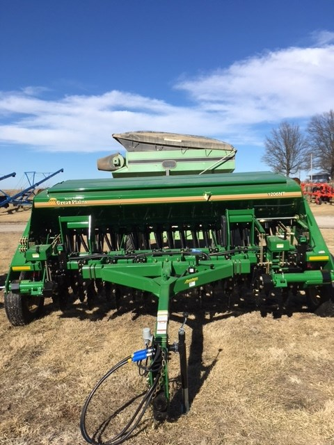 Great Plains 1206NT-1975 Grain Drill For Sale