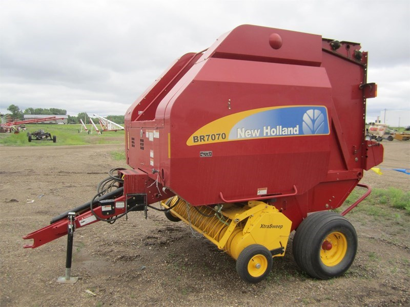 2008 New Holland BR7070 Baler-Round For Sale