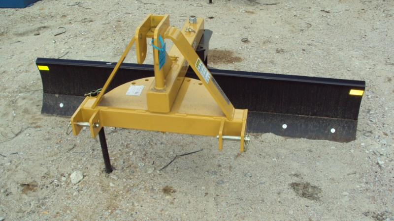 Dirt Dog 3pt 7' Dirt Dog 5007 HD angle grader blade Blade Rear-3 Point Hitch For Sale