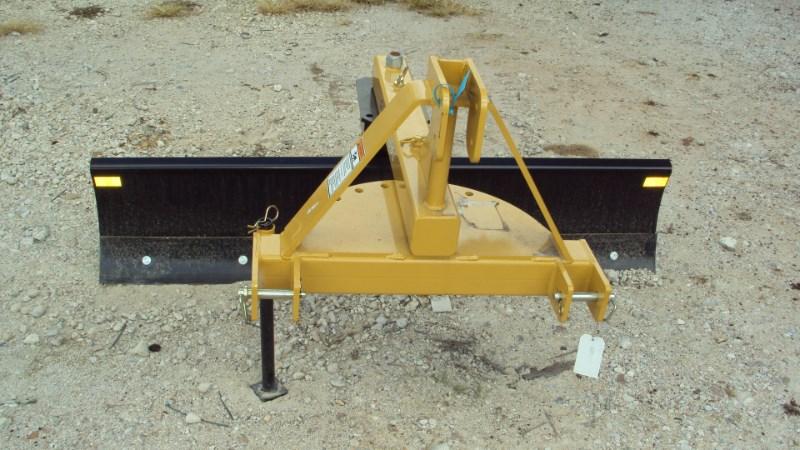 Dirt Dog 3pt 6' Dirt Dog 5006 HD angle grader blade Blade Rear-3 Point Hitch For Sale