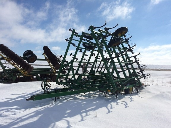 1996 John Deere 980 Field Cultivator For Sale