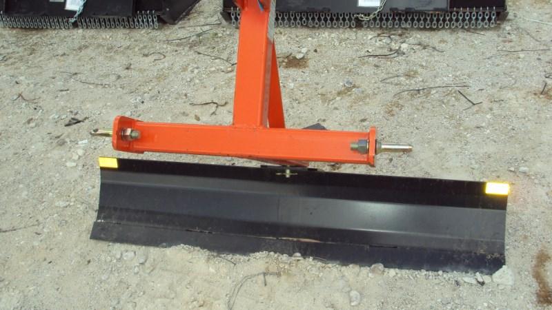 Dirt Dog 3pt 5' foot grader blade 2005 Blade Rear-3 Point Hitch For Sale