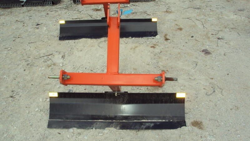 Dirt Dog 3pt 4' foot grader blade 2004 Blade Rear-3 Point Hitch For Sale