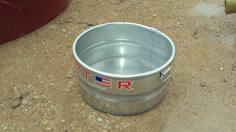 Tarter 21 gallon galvanized livestock tank Misc. Ag For Sale