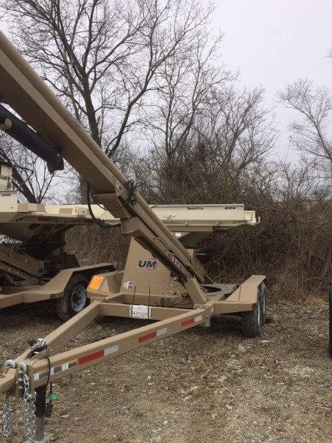 Unverferth 200 Seed Tender For Sale