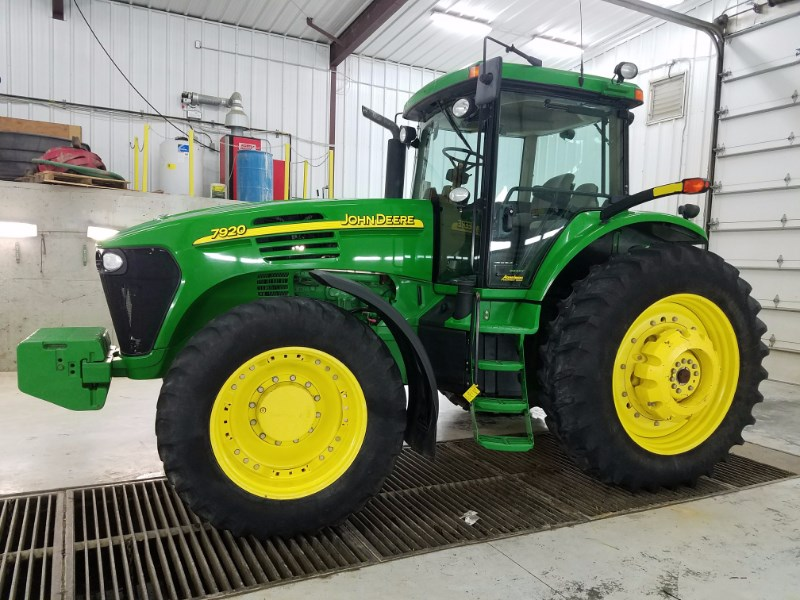 2004 John Deere 7920 Tractor For Sale