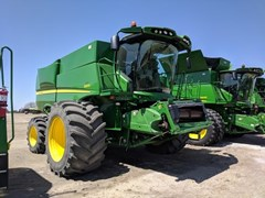 Combine For Sale:  2013 John Deere S670