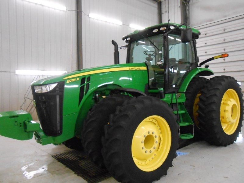 2012 John Deere 8285R Tractor For Sale
