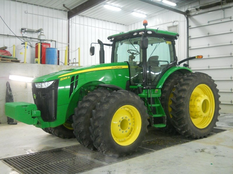 2014 John Deere 8285R Tractor For Sale