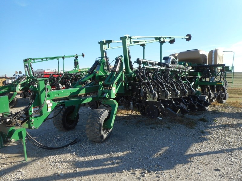 2008 Great Plains YP4025A-32TR Planter For Sale
