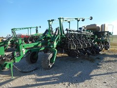 Planter For Sale 2008 Great Plains YP4025A-32TR
