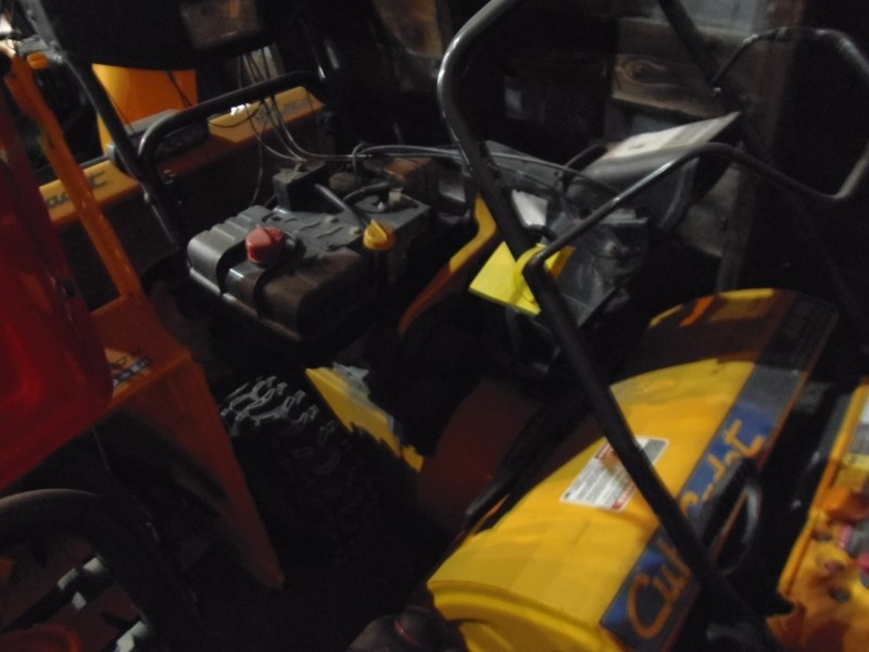 2011 Cub Cadet 528SWE Snow Blower For Sale