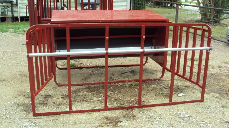 Tarter 1000 Lbs calf creep feeder Misc. Ag For Sale