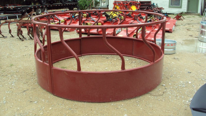 Tarter S-bar round bale hay ring  with skirted sides Misc. Ag For Sale
